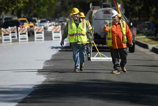 """""""Cool Pavement"""" to Cut Urban Street Heat Gets First California Tryout in Canoga Park"""